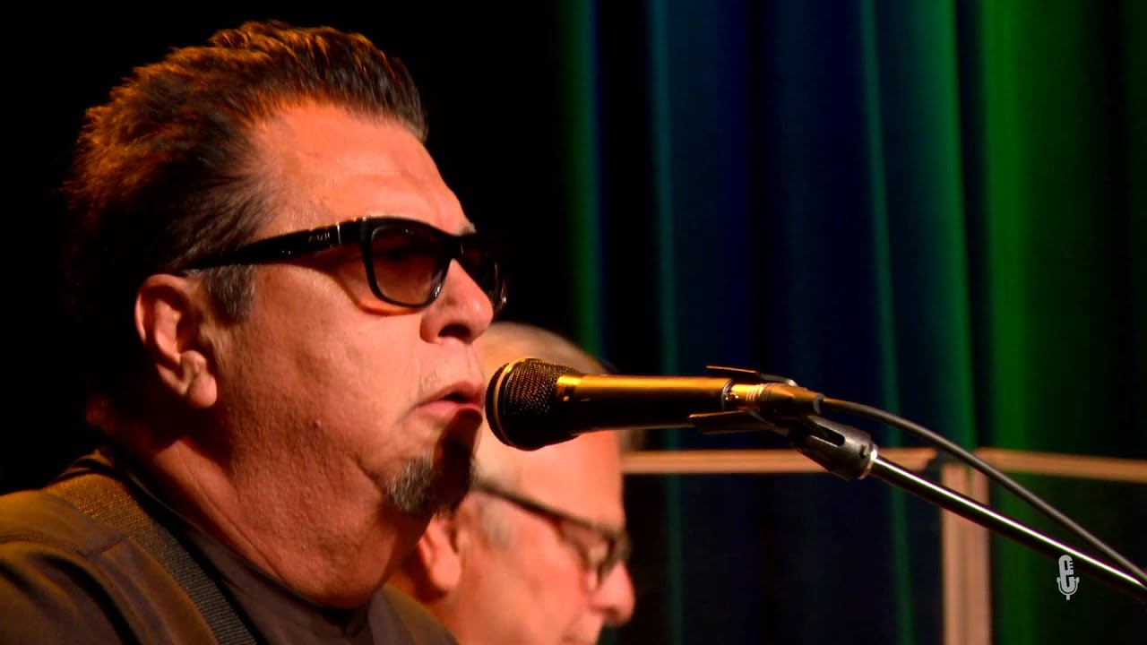 Los Lobos - La Tumba Sera el Final (eTown webisode #876) - YouTube