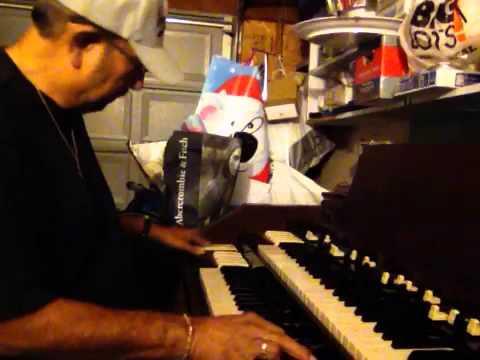 Frank Meza playing the Hammond Organ