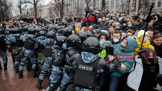 Navalny's wife among hundreds detained at anti-Kremlin protests