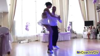Свадебный танец в стрингах и коротком платье