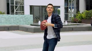 'The Duff' Actor Robbie Amell Proves He Really Can Throw a Football | The Rich Eisen Show | 12/6/19