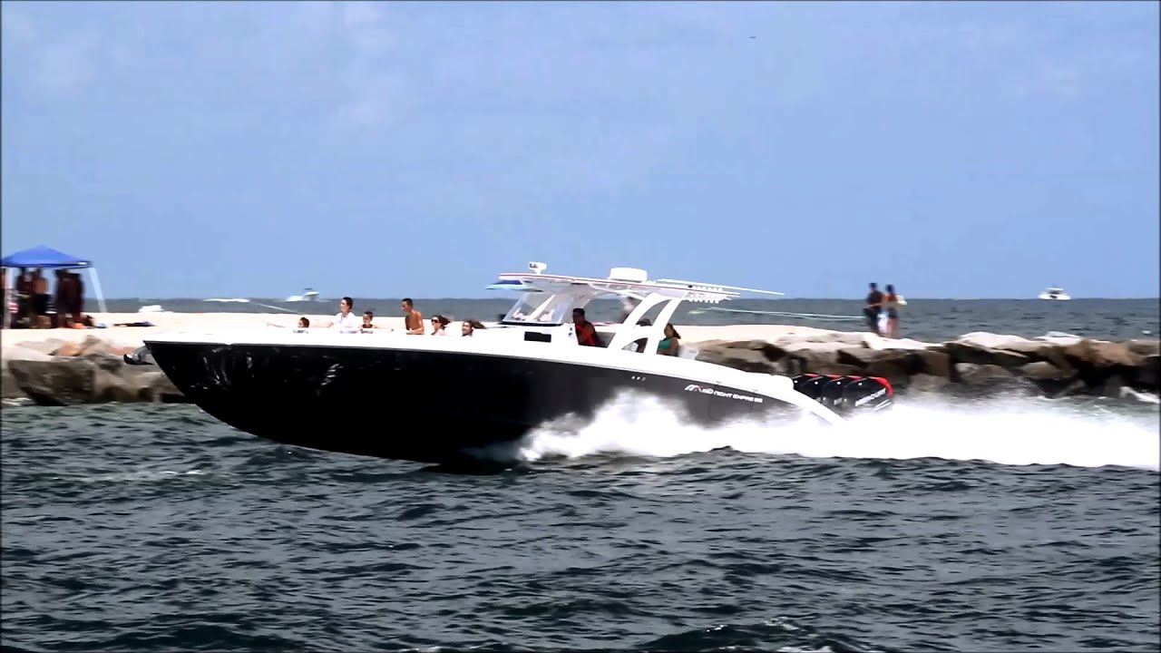 Midnight Express Boat For Sale >> Midnight Express 43 Open Quad 300 Mercury on Rough Water - YouTube