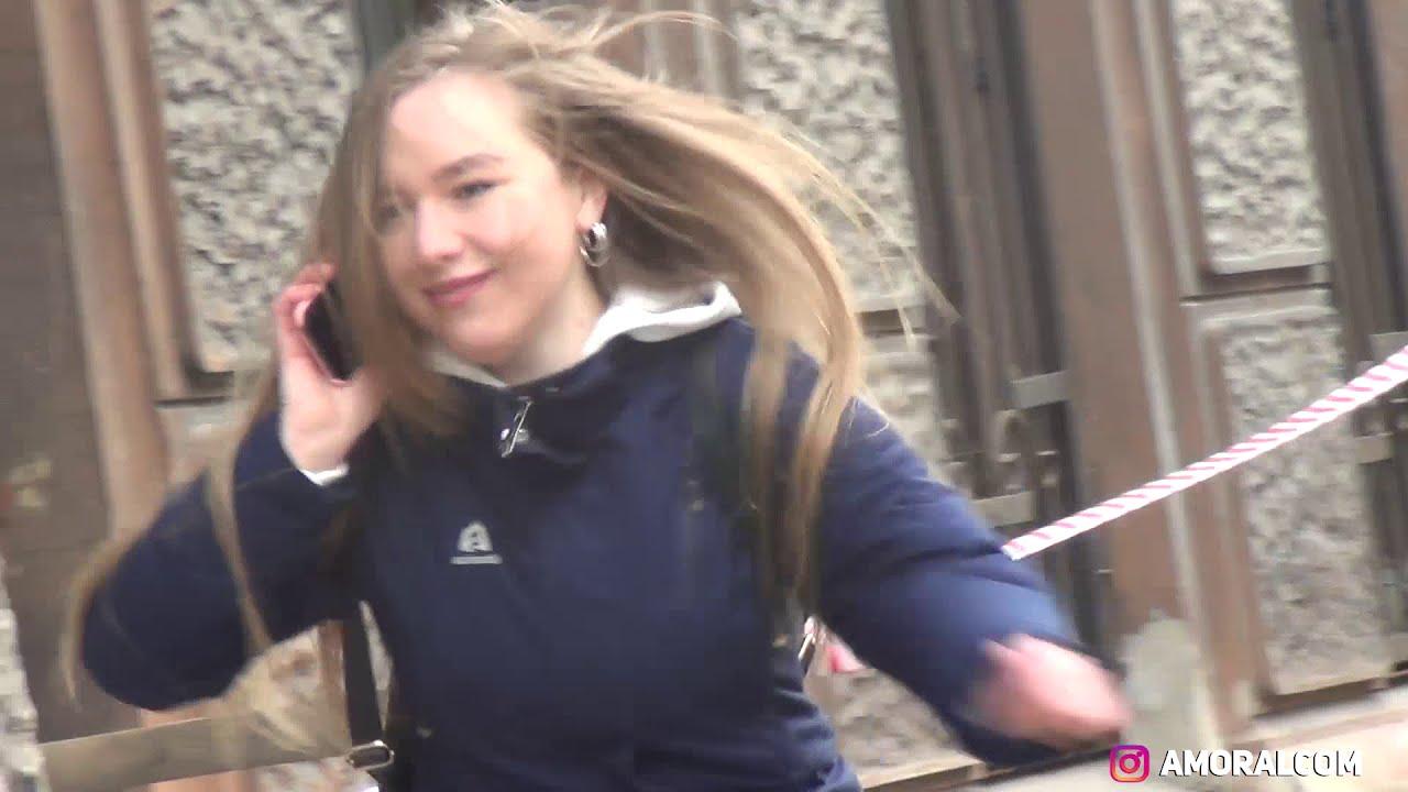СТОЯК НА ВСЕХ ПРАНК Реакция Девушек и Парней
