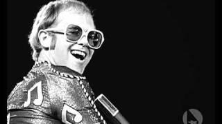 Elton John - Island Girl - live 1976