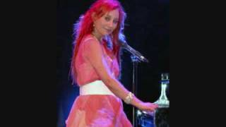 Tori Amos - Pink and Glitter (Live at E-Town)