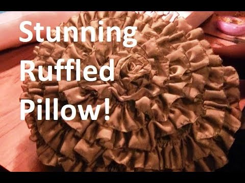 Easy Ruffle Pillow - Freestyle Friday #23