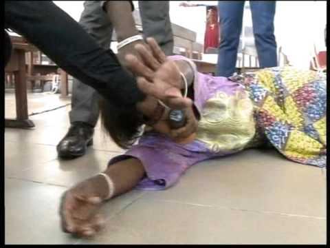 Délivrance: Les cheveux de cette femme, coupés par les démons et portés dans le monde diaboliquede YouTube · Durée:  6 minutes 22 secondes