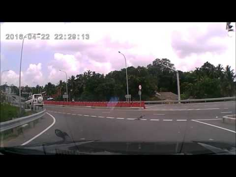 Car accident Kadawatha   Colombo Outer Circular Expressway