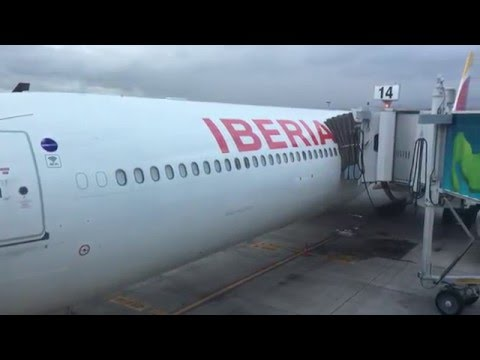 AIRBUS 340-600 IBERIA (cockpit view)HD720p