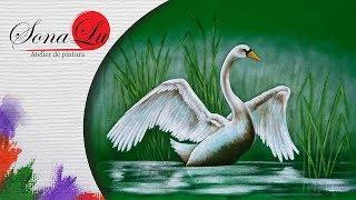 Pintura de Cisne em Tecido Verde