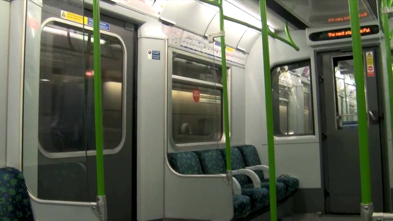 District Line Earl S Court To Parsons Green Youtube