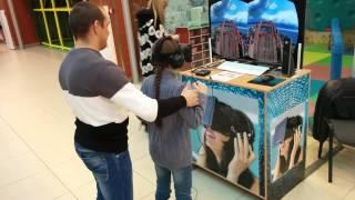 доча первый раз надела очки виртуальной реальности Oculus