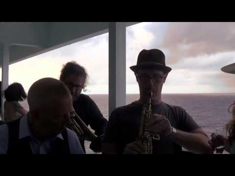 The mavericks blue bayou the balcony cruise sessions for Balcony sessions
