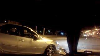 Водитель стандартной  Тойоты наказал Стритрейсера.