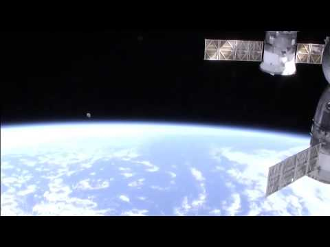Ufo NASA Giant Grey object International Space Station ISS live feed