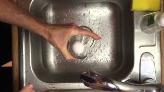 Быстрая чистка варёного яйца