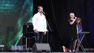 Дмитрий Певцов - Этот большой мир | Концерт памяти Андрея Дементьева Video