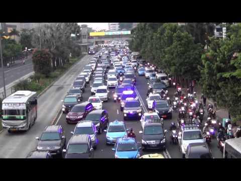 Jakarta Traffic Letting VIP Through