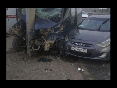В Чебоксарах в ДТП Hyundai Solaris и маршрутки пострадали 6 человек