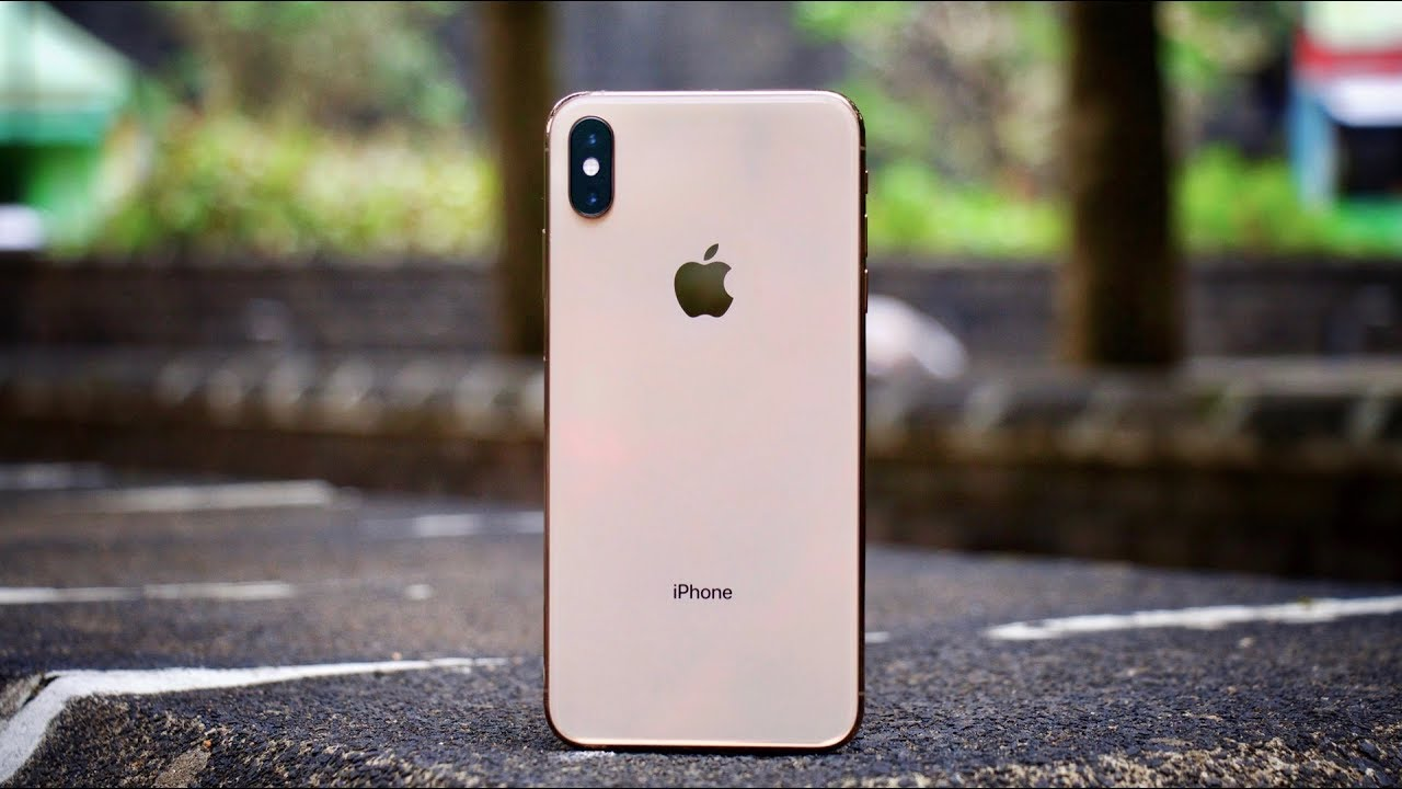a60f2d576fcb iPhone XS Max Review - 1 week later - YouTube