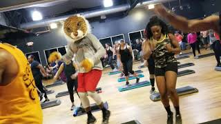Xtreme Hip Hop with Phil : Its going down