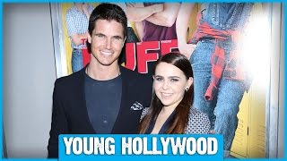 THE DUFF's Mae Whitman & Robbie Amell on Their On-Screen Chemistry!