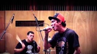"Garage Fuzz - Ao Vivo - ""Dying trying"""