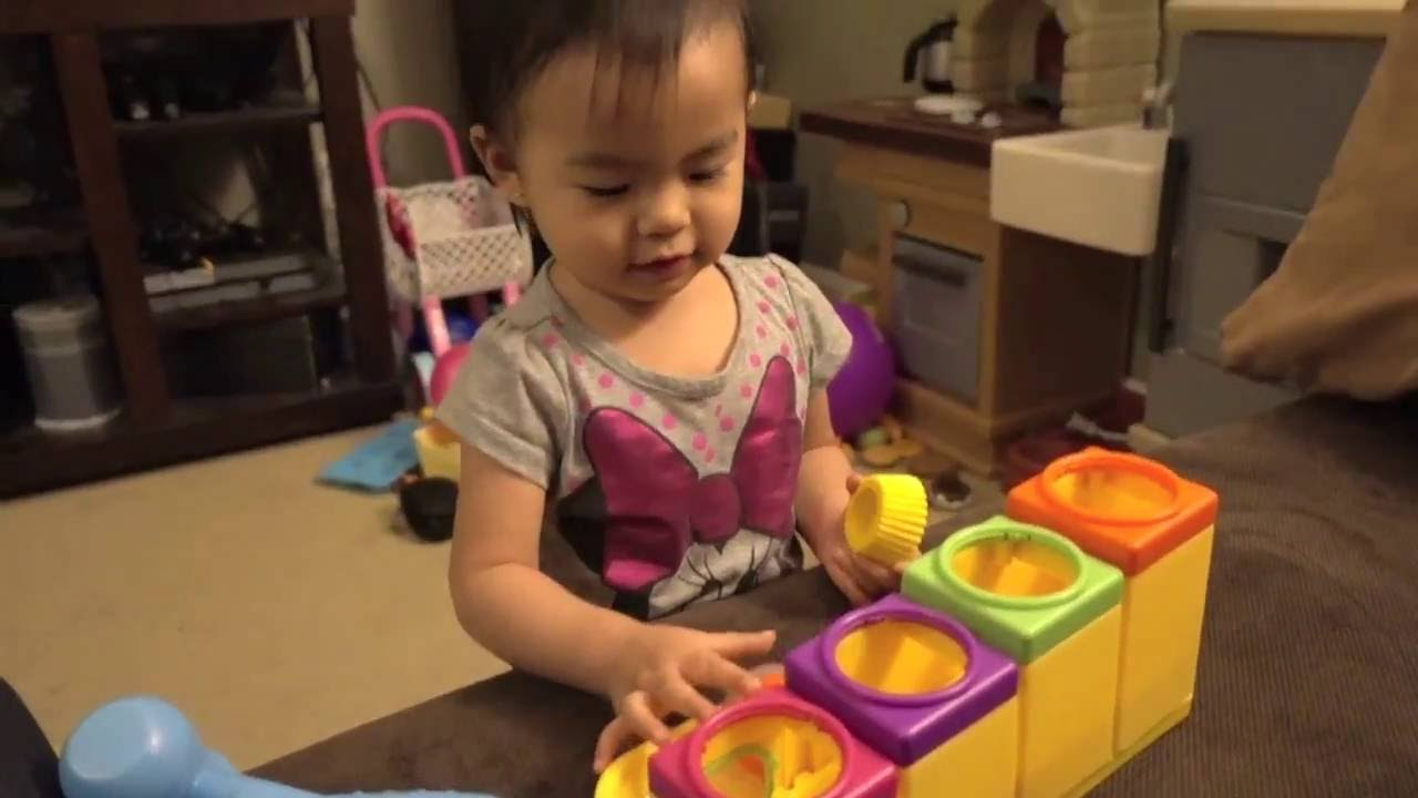 20 Month Old Toddler Learns Her Colors