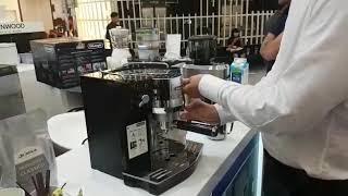 latte Art dengan DeLonghi EC820.B