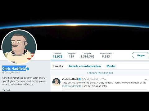 Astronaut Chris Hadfield caught deceiving his followers with a non related photo #GlobeLie