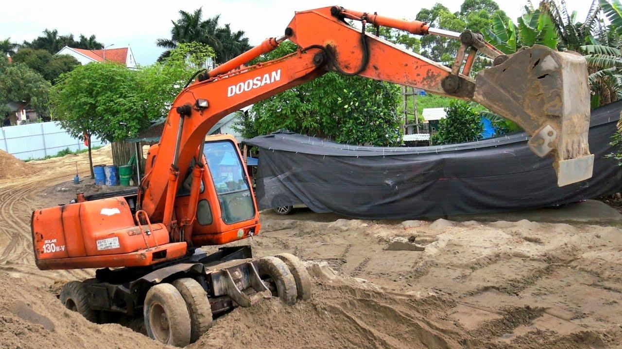 Máy Xúc Doosan 130w-v Làm Việc, Xe Ô Tô Tải Ben TMT Chở Cát   Excavator Truck   TienTube TV