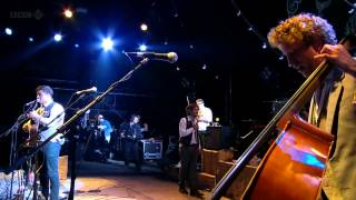 Momford & Sons - Roll Away Your Stone (Glastonbury 2011)
