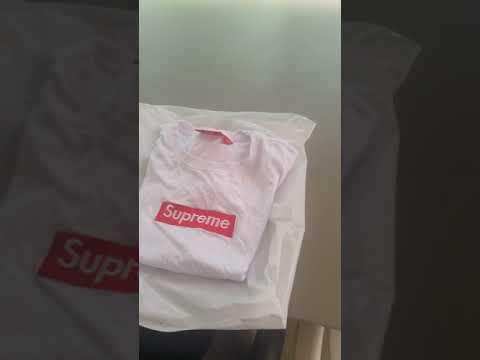 452e9cd6 UNBOXING T SHIRT SUPREME DHGATE 12$ - YouTube