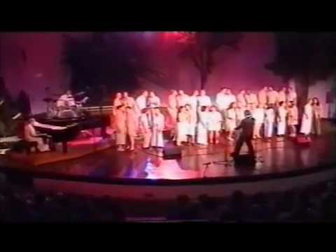 ''Cheek to Cheek'' by World Youth Choir 2001 in South Africa, conductor Dr. Steve Zegree