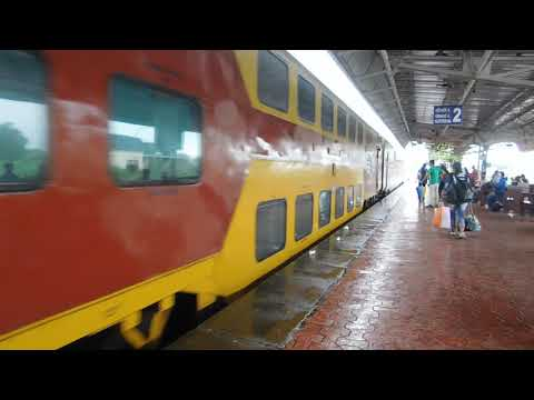 KALYAN WDP3A 11086 GOA AC Double Decker Express Entering Chiplun Station : Konkan Railways