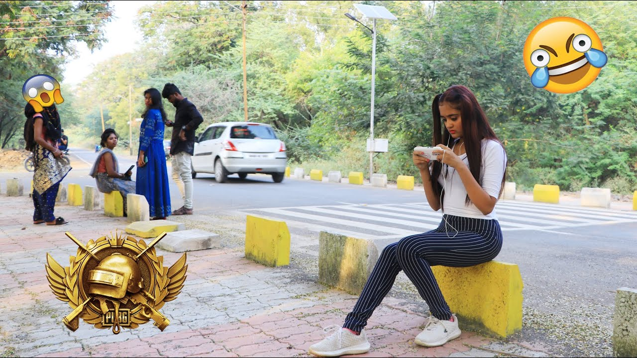Download 🤪BindassKAVYA Plays PUBG Mobile Outdoor in Public Shouting Patt se headshot😂Logo ka funny reaction