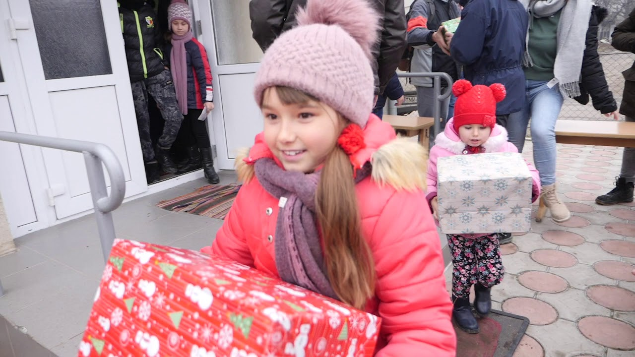 Moldova Trip Christmas presents, Video by Kirk