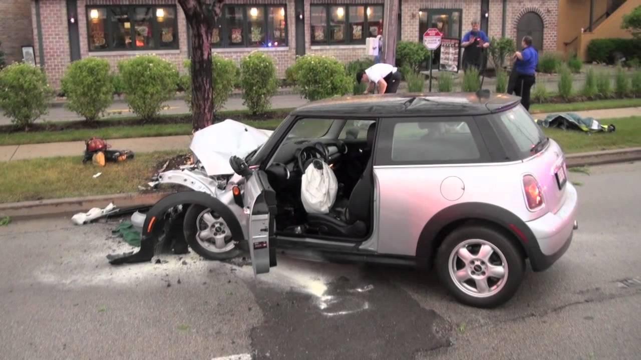 Mini Cooper Crash Car Vs Tree Dundee Rd Near Portillo S Arlington Heights You