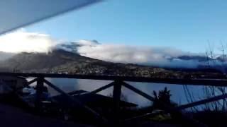 クイーンズタウン空港からダウンタウンに行くまでの景色、ニュージーランド thumbnail
