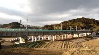 東北新幹線やまびこ50号通過(宮城県利府町付近)