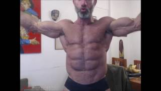 Big Daddy Matt Bolt in a WebCam Muscle Worship session at JockMenLive