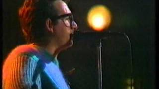 Elvis Costello - Peace In Our Time (for the first time on tv!)