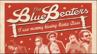 The Bluebeaters - I Saw Mommy Kissing Santa Claus