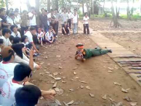 3 tư thế đứng,quỳ nằm (môn giáo dục quốc phòng).MP4