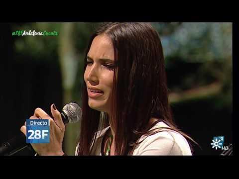 India Martínez y Arcángel cantan el himno de Andalucía