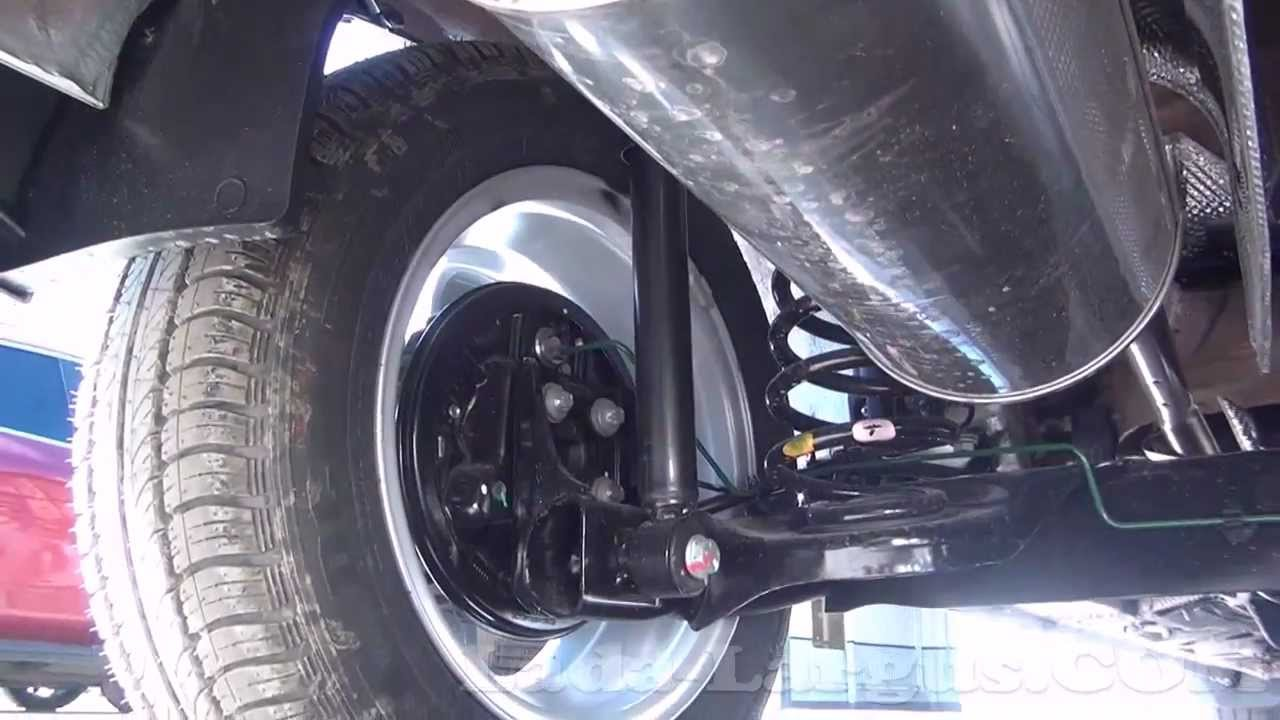 Лада Ларгус: задняя подвеска и запасное колесо.