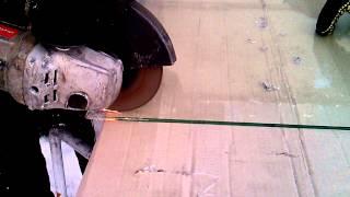 Резка триплекса(Триплекс режется обычным обрезным кругом по металлу., 2014-12-04T15:40:19.000Z)