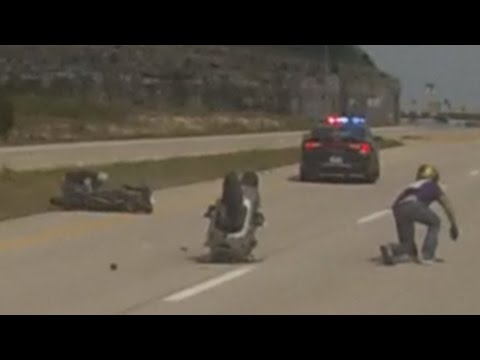 Motorcycle VS Cops POLICE CHASE Street...