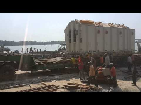 AMMS Logistics : Unloading from Barge to Trailer