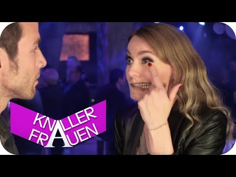 Aufriss in Slowmotion | Knallerfrauen mit Martina Hill